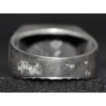 Перстень с изображением лошади и подковы