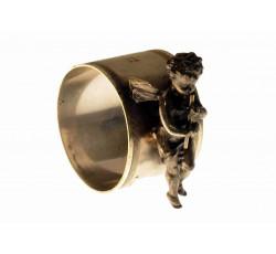 Салфеточное кольцо.  1914 г. С фигуркой ангела