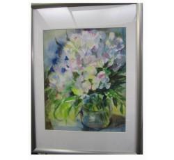 Живописный натюрморт акварелью с цветами.